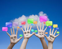 Handen en communicatie pictogrammen Royalty-vrije Stock Afbeeldingen
