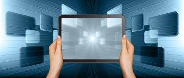 Handen en monitor Stock Fotografie