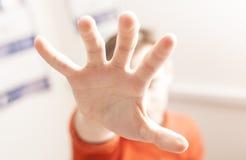 Handen för man` s Fotografering för Bildbyråer