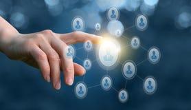 Handen klickar på en avatar i nätverket arkivbilder