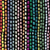 Handen målade abstrakta borsteslaglängder i blått gulnar rosa gröna färger på svart bakgrund Sömlöst upprepa för abstrakt begrepp Arkivbilder