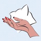 Handen med ljust rött spikar polermedel som göras i stilpopkonst Kvinnahanden på en blått pricker bakgrund med anförandebubblan f Arkivbild