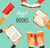 Handen met boeken Stock Afbeeldingen