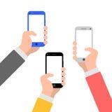 Handen met de illustratiepictogram van de smartphone vlak stijl royalty-vrije illustratie