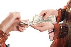 Handen met geld royalty-vrije stock afbeelding