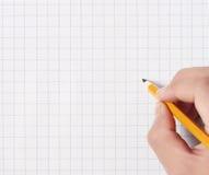 Handen met potloodrubber die iets schrijven royalty-vrije illustratie