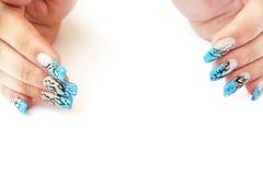 Handen met spijkerart. Stock Afbeeldingen