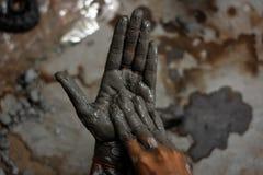 Handen van artisanaal royalty-vrije stock afbeeldingen