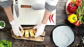Handen van chef-kok, Mexicaans voedsel stock footage