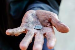 Handen van de oude mens royalty-vrije stock afbeelding