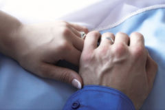 Handen van enkel echtpaar Royalty-vrije Stock Afbeelding