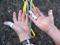 Handen van klimmer Royalty-vrije Stock Afbeeldingen