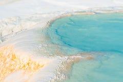 Handfat av den Pamukkale closeupen arkivbilder