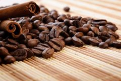 Handful aromatic coffee beans Royalty Free Stock Photography