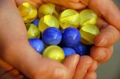 Handfull dos mármores Fotografia de Stock Royalty Free