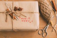 Handgefertigtes und ökologisches Weihnachtspaket Lizenzfreie Stockfotografie