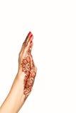 Handgelenk und Hand des jungen Mädchens mit Hennastrauch mehendi Stockbild