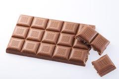 Handgemachte, Bioschokolade auf Weiß Stockfotografie