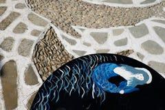 Handgemachte Dekoration auf einer Tabelle in einer Stange Stockfoto