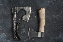 Handgemachte Eisenäxte Stockbilder