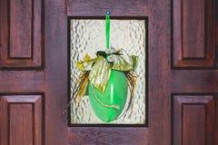 Handgemachte glückliche Ostern-Hauptverzierungen, Dekoration, Gelb, grün Lizenzfreies Stockbild