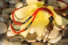 Handgemachte Halskette Stockfotos