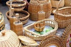Handgemachte Heu- und Flachsprodukte an der Messe von Völkern Stockfoto