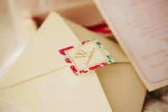 Handgemachte Hochzeitseinladungen Stockfotografie