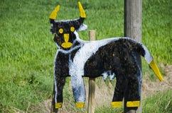 Handgemachte Kuh unterzeichnen herein Toskana Lizenzfreie Stockfotografie