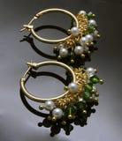 Handgemachte Ohrringe mit Edelsteinen Lizenzfreie Stockbilder