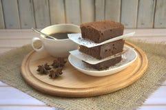 Handgemachte Schokoladenschokoladenkuchen Stockfoto