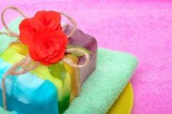 Handgemachte Seife mit Blumen Lizenzfreies Stockfoto