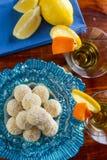 Handgemachte Trüffeln mit Orange Lizenzfreies Stockfoto