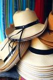 Handgemachte traditionelle Panama-Hüte stockfotos