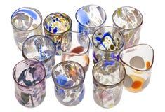 Handgemachte venetianische Gläser auf Weiß. stockbild
