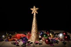 Handgemachter dekorativer Weihnachtsbaum Stockfoto