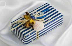 Handgemachter Geschenkkasten Stockfotos