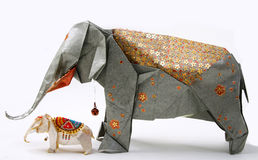 Handgemachter origami Elefant Stockfoto