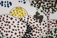 Handgemachtes Bild der Sommerlandschaft mit Sonne, Applebaum und Bahn und eine schwarze Katze Abstrast-Kunst mit Punkten des Zeic Lizenzfreie Stockbilder
