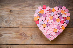 Handgemachtes mehrfarbiges Herz Lizenzfreie Stockbilder