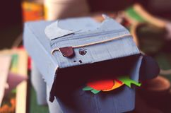 Handgemachtes Pappspielzeug stockbild