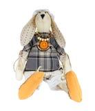 Handgemachtes Spielzeug des Kaninchens lokalisiert auf Weiß Lizenzfreies Stockfoto