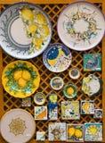 Handgemalte Platten und Fliesen stockbilder