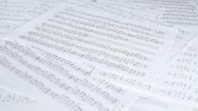 Handgeschriebene musikalische Anmerkungen stock video