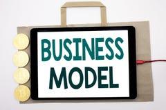 Handgeschriebener Text, der Geschäftsmodell zeigt Geschäftskonzeptschreiben für den Lösungs-Strategie-Plan geschrieben auf Einkau Lizenzfreie Stockbilder