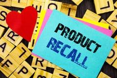 Handgeschriebener Text, der Rückruf eines fehlerhaften Produktes zeigt Begriffsfoto Rückruf-Rückerstattungs-Rückkehr für die Prod lizenzfreies stockfoto
