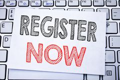 Handgeschriebenes Texttitel-Vertretung Register jetzt Geschäftskonzeptschreiben für Ausrichtung für geschrieben auf klebriges Bri stockfotografie