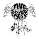 Handgezogener gebürtiger indianischer Talisman-Traumfänger mit dem Beschriften von Zeit zum Traum, Federn, Mond, Flügel lizenzfreie stockfotografie