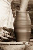 Handgjord danande för krukmakeri Royaltyfri Fotografi