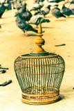 Handgjord fågelbur för byinvånare bangkok thailand Fotografering för Bildbyråer